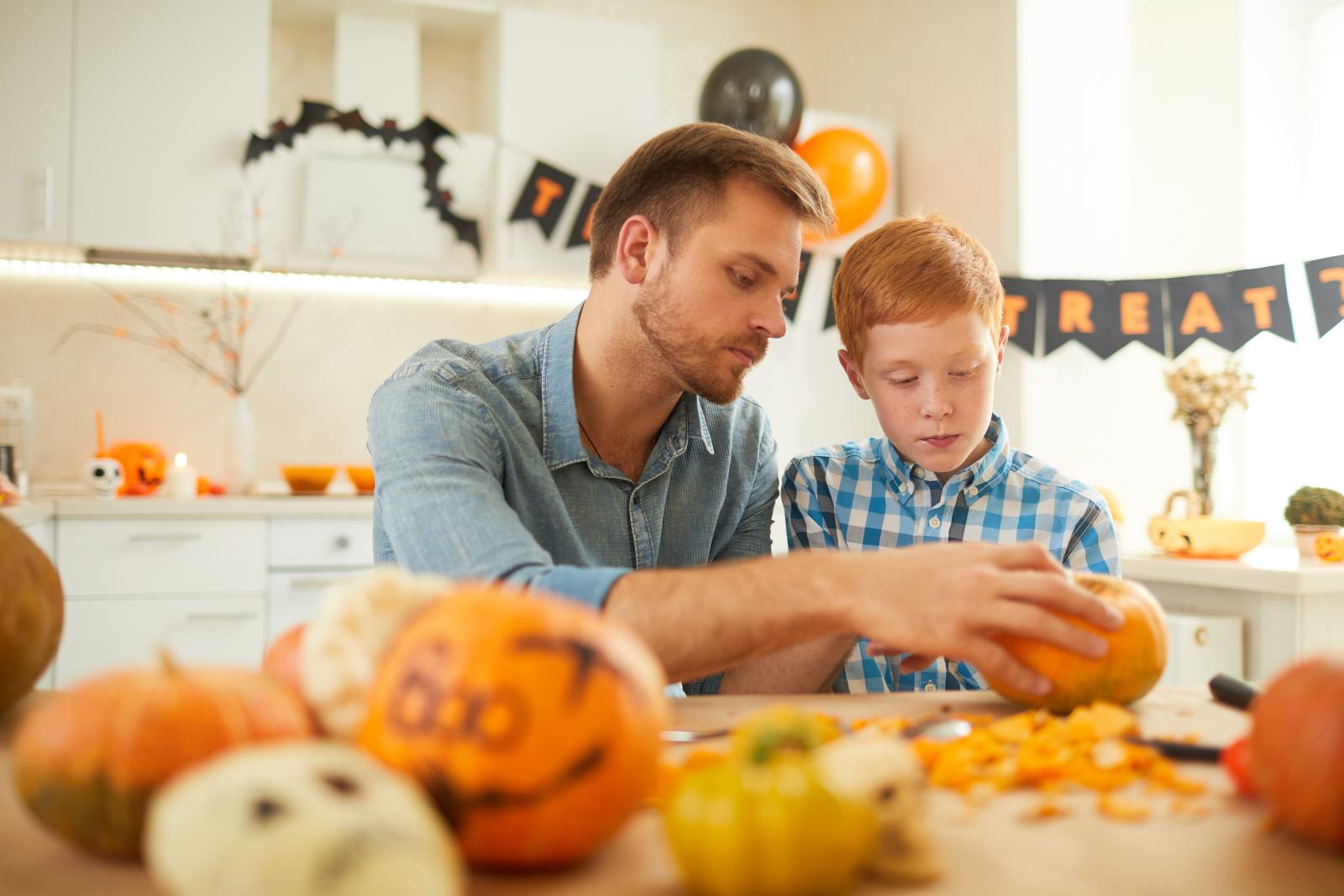 パパと息子がハロウィン料理をつくる