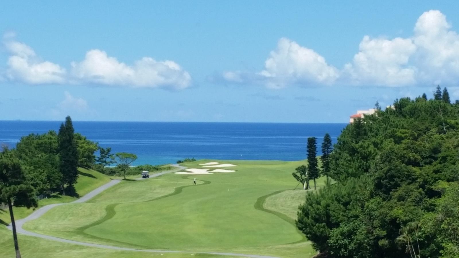 PGMゴルフリゾート沖縄 ブーゲンビレア3番ホール