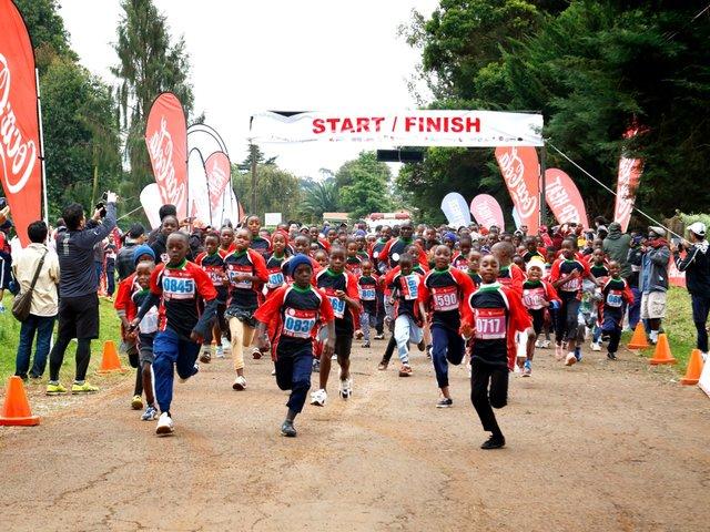 「ソトコト10キロ&5キロラン 2018」を、ケニアのナイロビ郊外で開催しました。