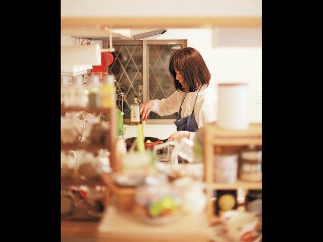 料理・人・空間を編み、何げない日常をつくる。「食す」活動を通して、地域と接する丸山寛子さん。