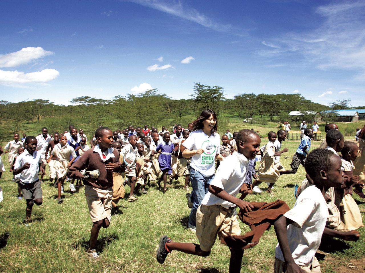 日本からのシューズがアフリカの子どもたちに贈った、走る楽しさ、未来への夢や希望。