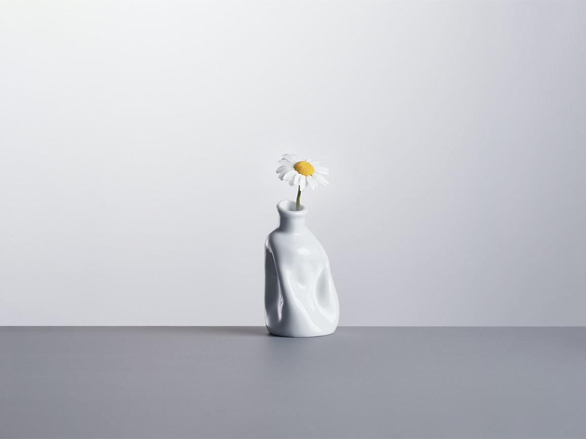 長崎の原爆を忘れない。技術×アートで生まれた「祈りの花瓶」が次世代へ平和の大切さを伝承する