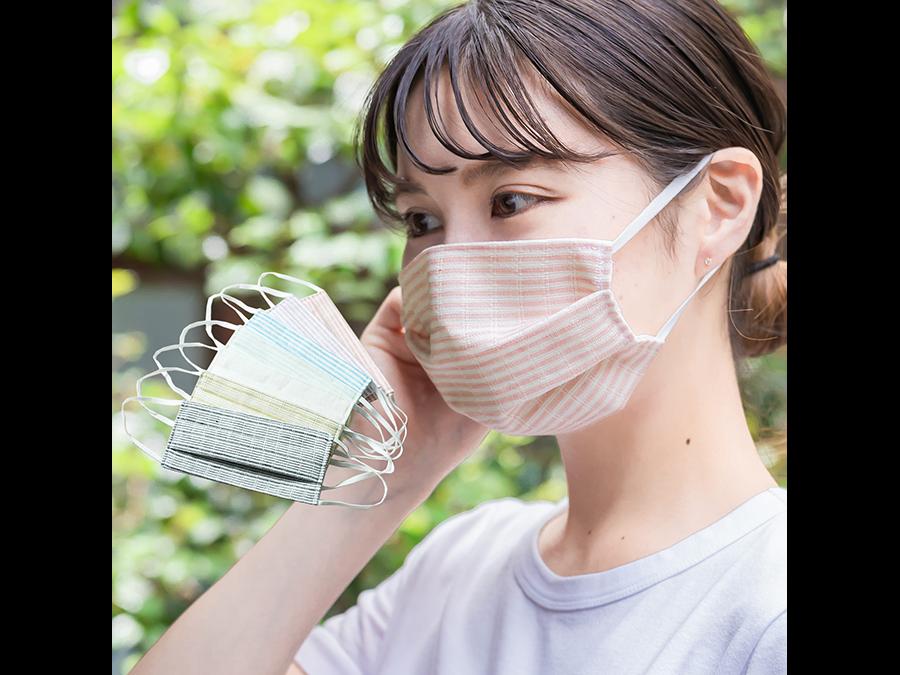 着物屋や和装小物屋が作る、藤井聡太棋聖が対局で着用し話題となった「夏用涼やか絹マスク」。