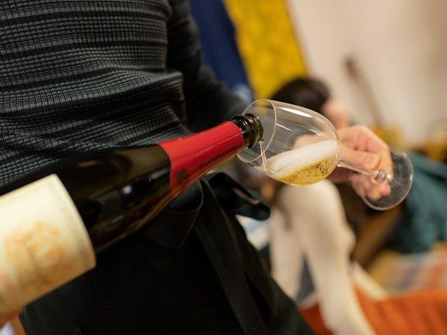 ワインや食材への情熱がそのまま、サステナブルなものの価値を伝えるライフワークに。