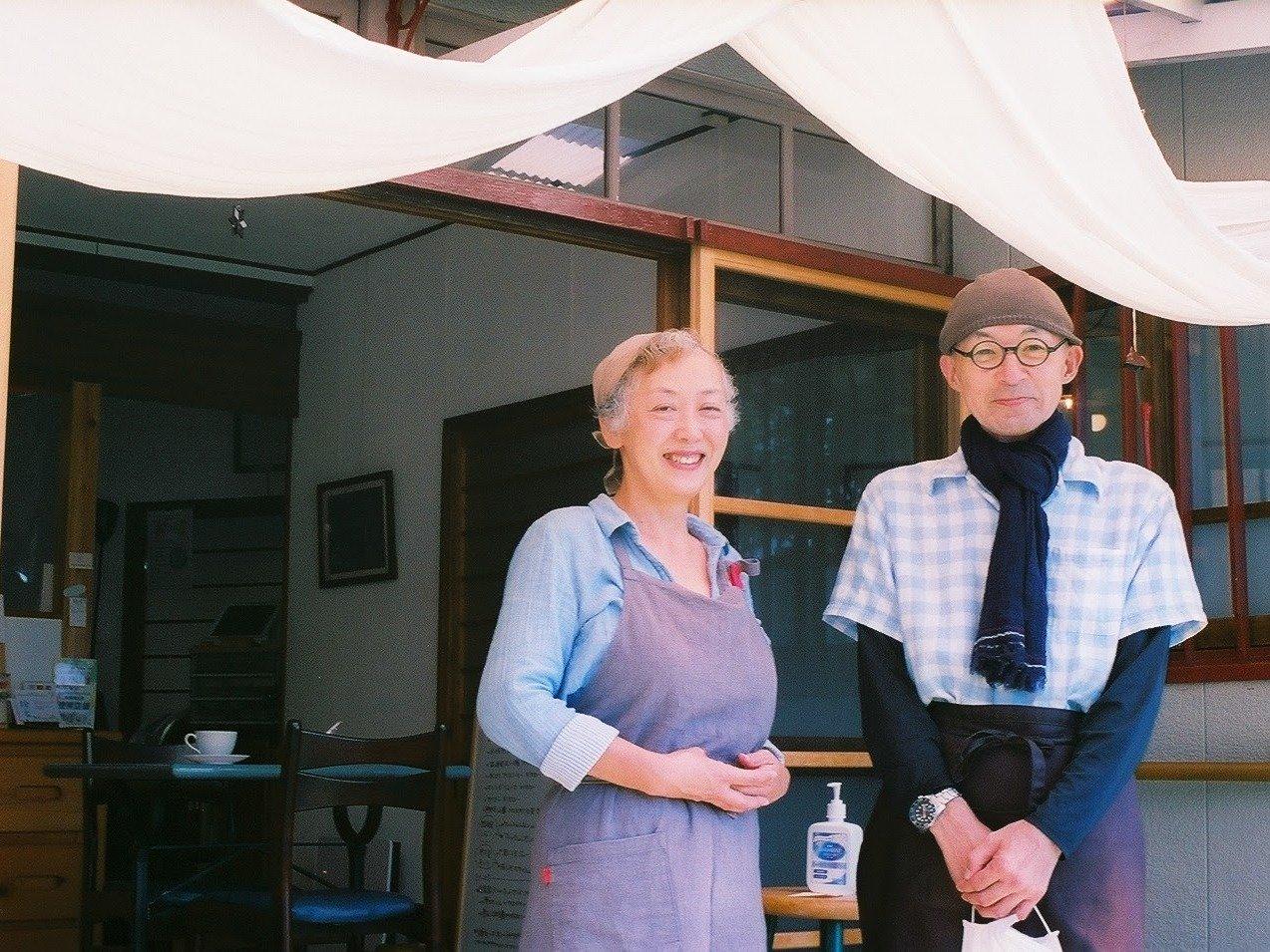 坂の町へ移住した夫婦が営む古民家カフェ「燈家」ができるまで