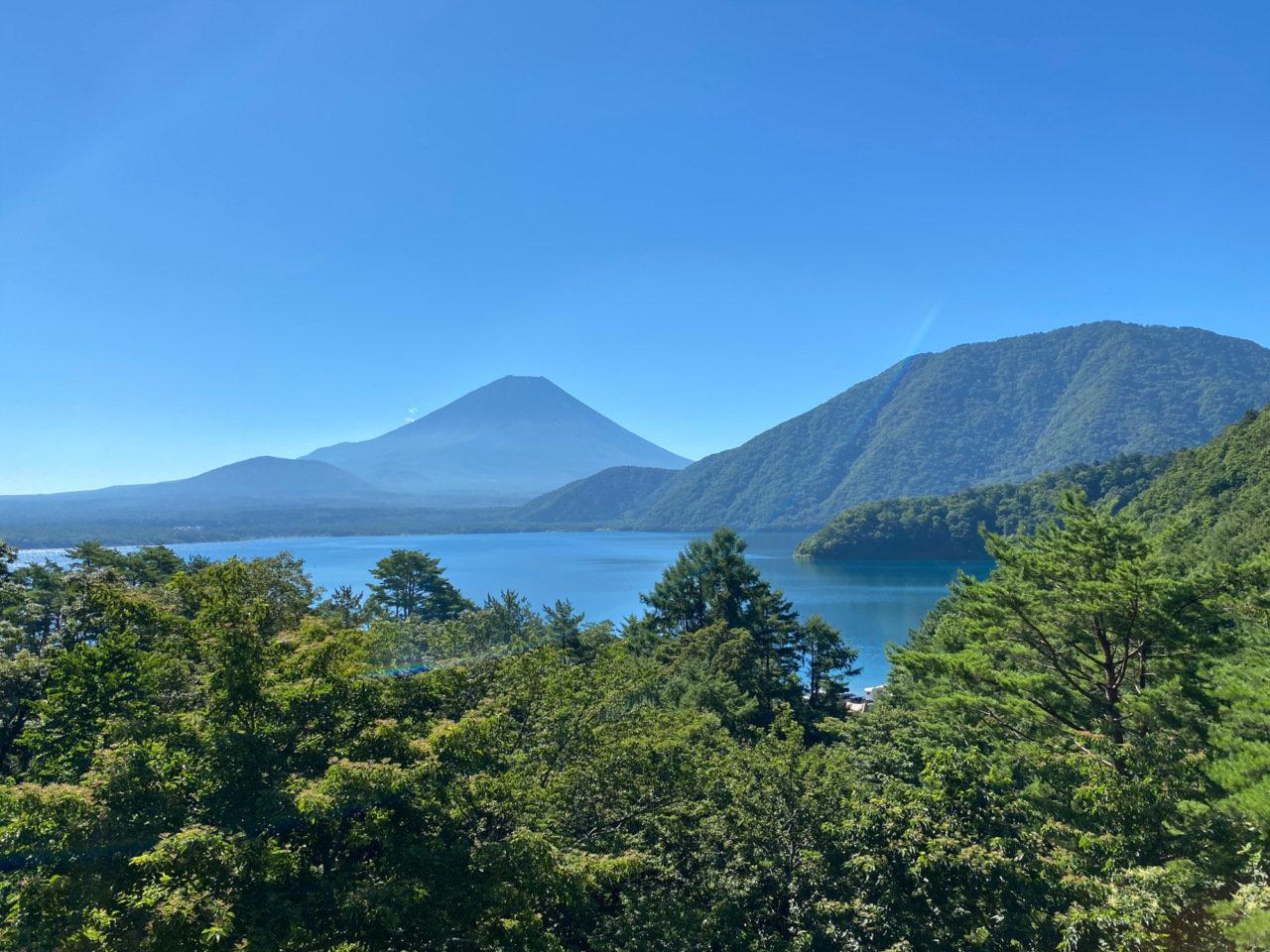 週末はローカルへいこう。ゆるキャンの聖地、本栖湖へカヤックあそびにいってきた。