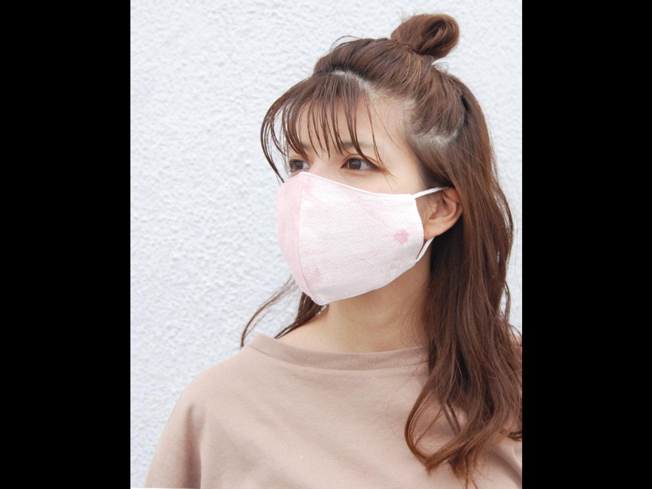 1枚770円。エスニックファッションブランド「tesoro」から新デザインが数量限定発売。