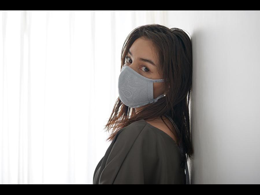 マスクもお洒落にコーディネート。オリジナルデザインのネックストラップマスク。1枚1000円〜。