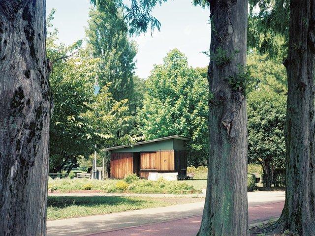 ヒアシンスハウス 日常に沿い環境に沿う、寝そべる建築。