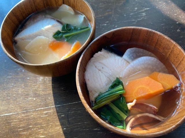県南と県北で異なる岡山雑煮を食べ比べ。北は○○○で出汁を取る
