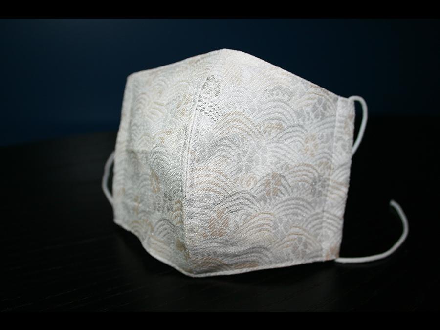 京都の老舗メーカーが銅のチカラを織り込んだ西陣織マスクを発売。1枚2200円。
