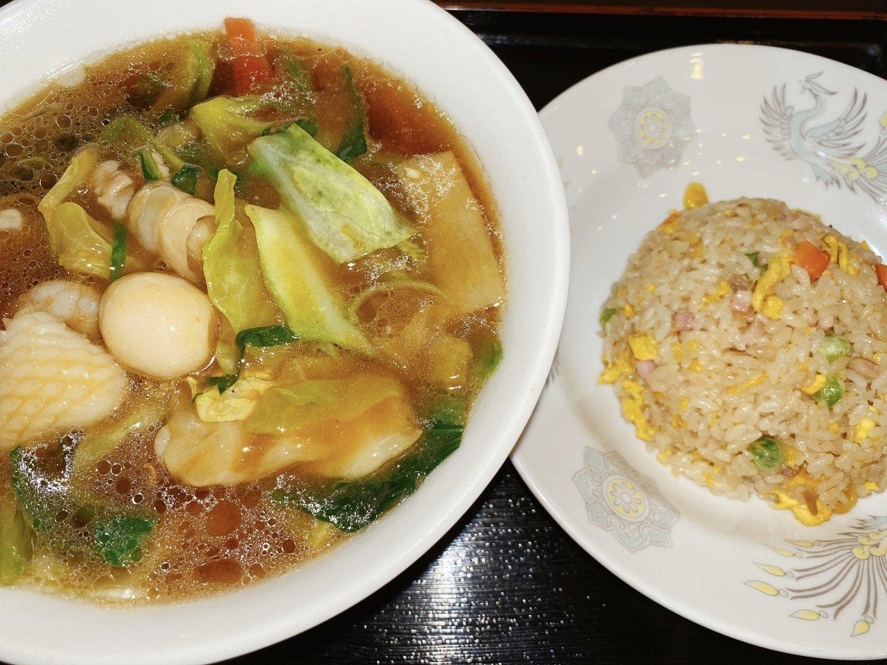 東京ローカルのおいしいラーメンがたべたい 五目野菜ラーメンと半チャーハン