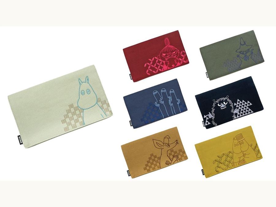 京都の着物メーカーが作る市松模様や七宝柄と共にデザインされたムーミンのマスクケース。