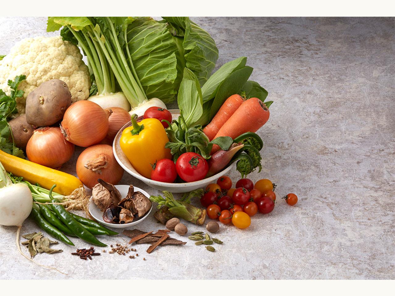 旬の野菜で作るスパイスカレー「MINGLE