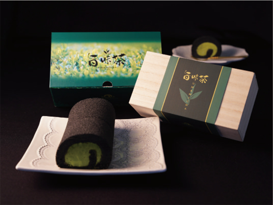 2021年八女新茶をいち早く使用した春を感じる旨味茶ロールが登場。
