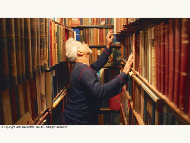 BOOKS ARE MAGIC  彼らはみな本の魔法を信じている