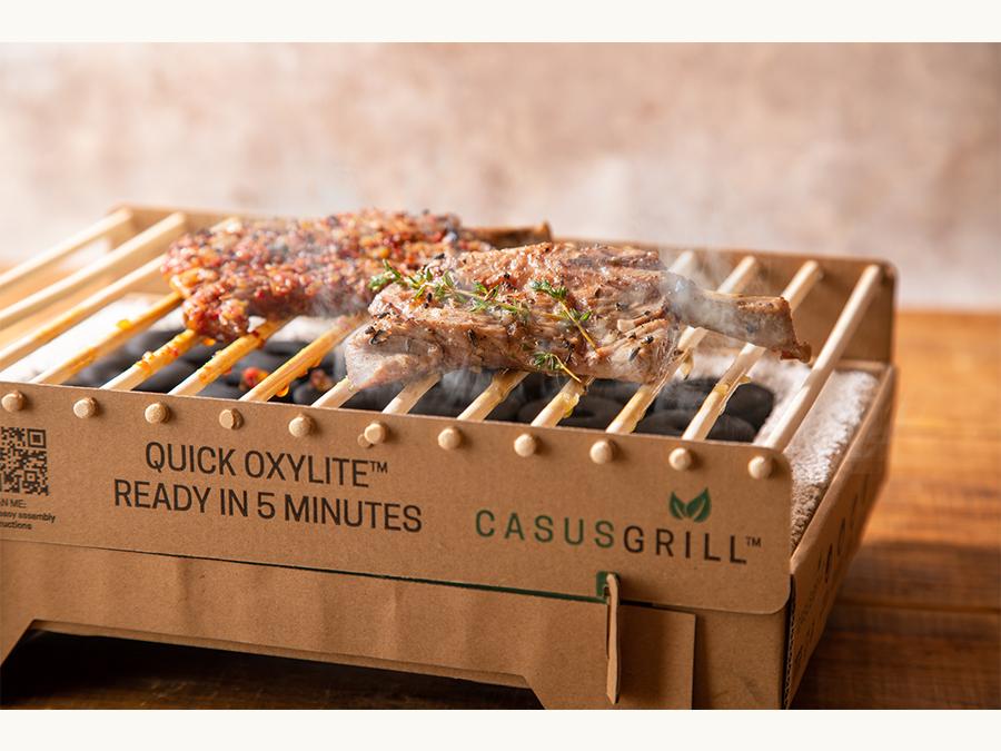 北欧発のサステナブルな使い捨てグリル カサスグリルとラム焼肉専門店「らむね」がコラボ!