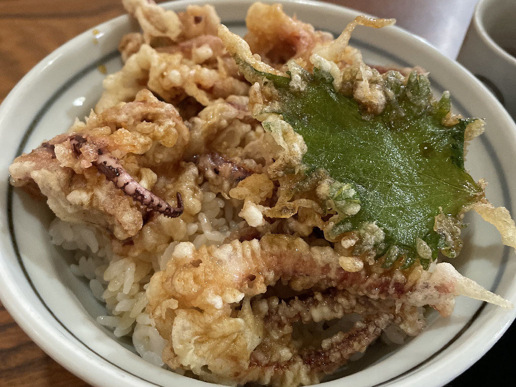 北海道ローカルライターイチオシ!旭川のB級グルメ『げそ丼』をご紹介。