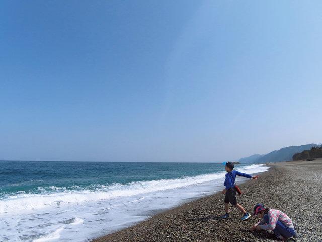 富山県・朝日町 地球とつながる遊び、ヒスイ探し。