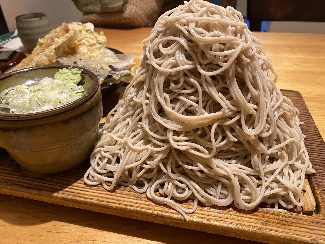 重さ1㎏!『富士山盛り』を実食レビュー!神奈川県民が推す味奈登庵の絶品そば