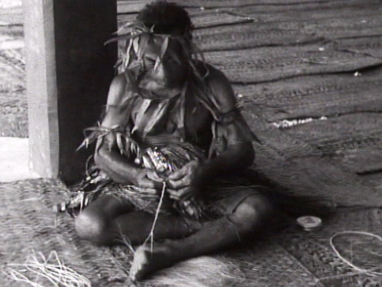 ココヤシ繊維の紐づくり(オセアニア)