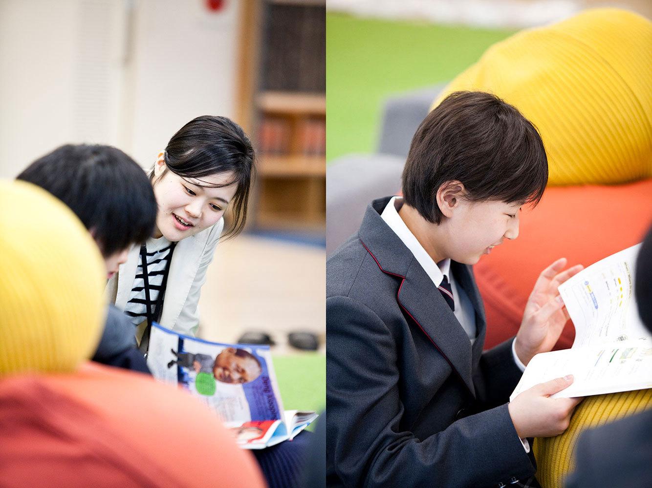左/山本先生と一緒に英語を教える佐藤桃子先生も輪に加わる。右/教科書を眺めながら、1年後の自分をデザイン。