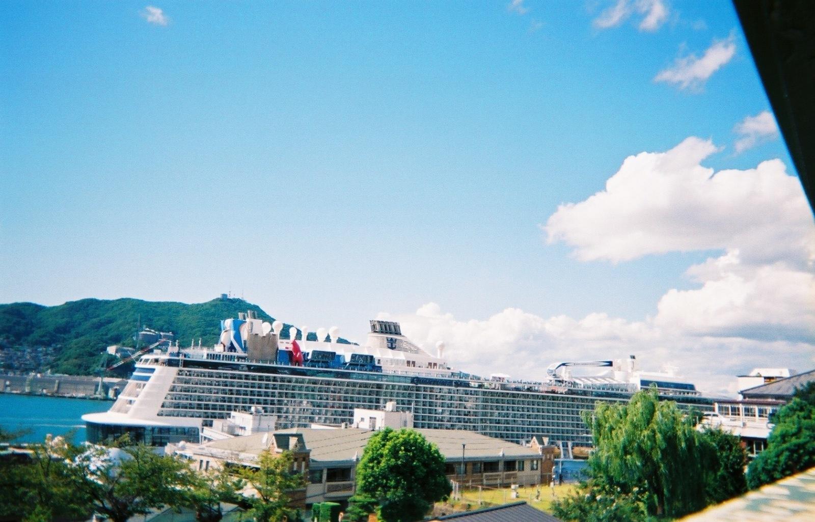 長崎港の船