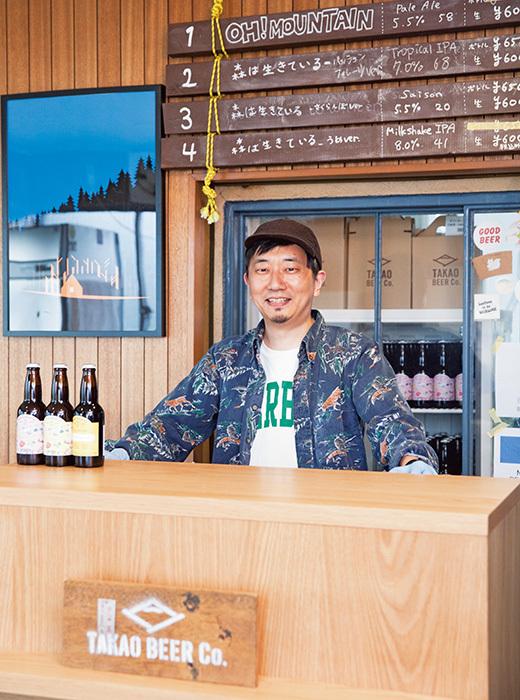 醸造所に併設されたビールスタンドには、池田さんが自ら立ってサーブしてくれる。「おいしいクラフトビール、飲みに来ませんか?」。