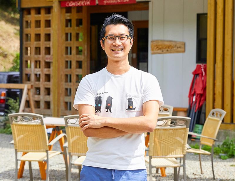 金丸知弘さんの住まいと店舗は、田辺市の『アトリエ龍神の家』を利用。温泉が有名な龍神村で、温泉以外の資源で、地域を結びながら人々が立ち寄る拠点になればという思いがある。