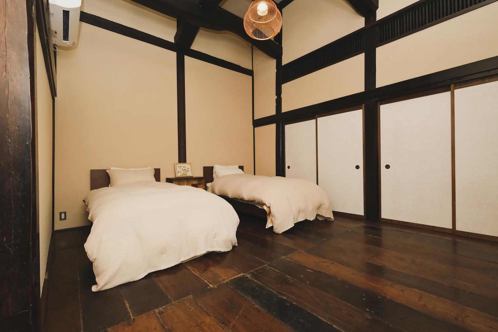 和の趣が感じられる、「中右衛門」の寝室