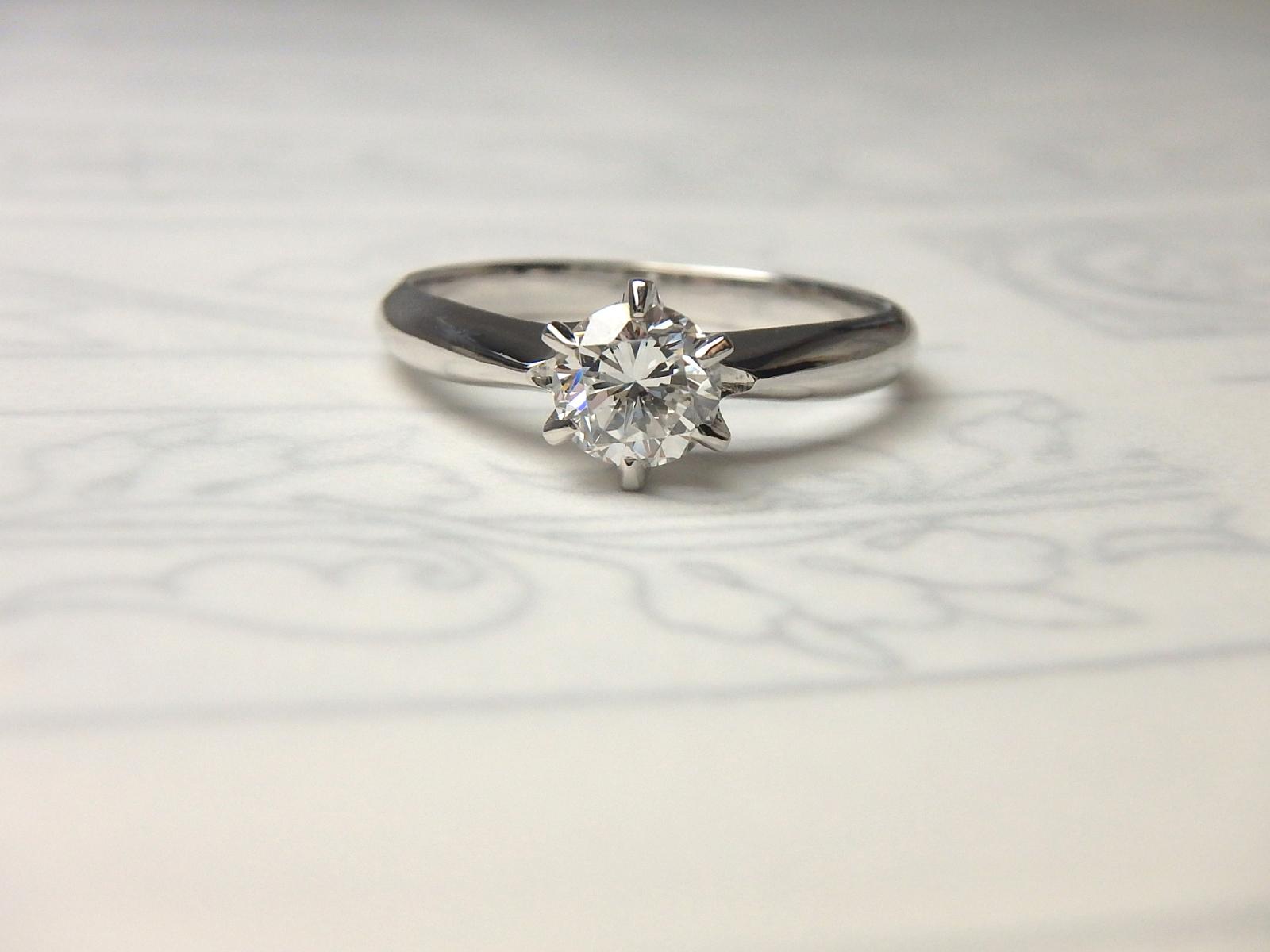 Shirokuma立て爪婚約指輪