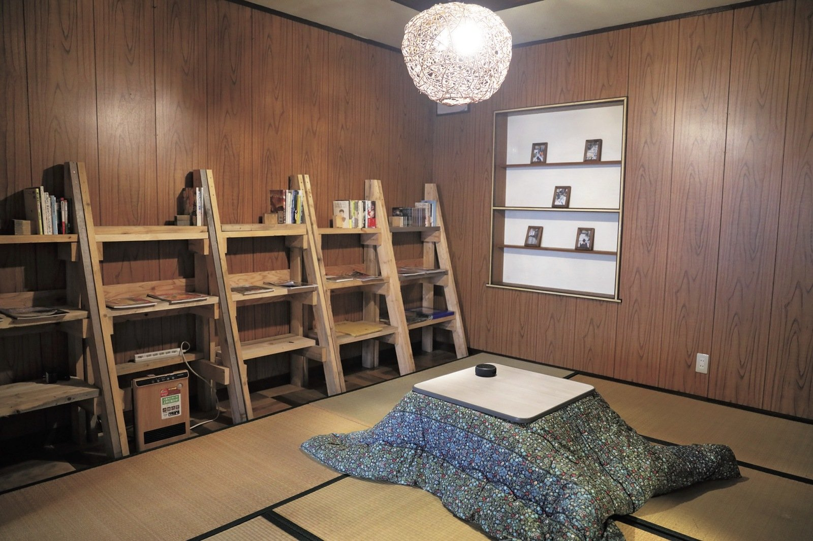 宿の2階にある宿泊者専用のパブリックスペース。