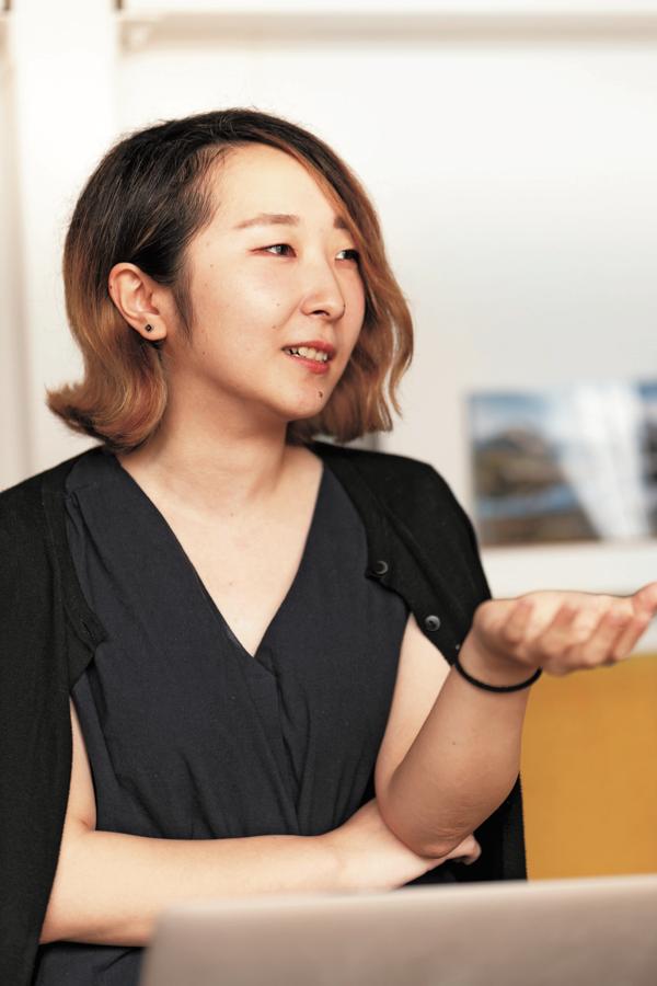 なかにし・すずか●元々は関西の大学に 通いながら2014年に『防災ガール』に加 入。その後、事務局長を務める。「防災は 選択肢のひとつ」と考えて自分たちの活 動を冷静に分析し、サイトのライティン グ、撮影、動画など幅広く手がける。昨年 より非営利団体のPRを行う会社を田中 美咲さんと設立。解散後は、シナリオ製作 の勉強に励む予定。