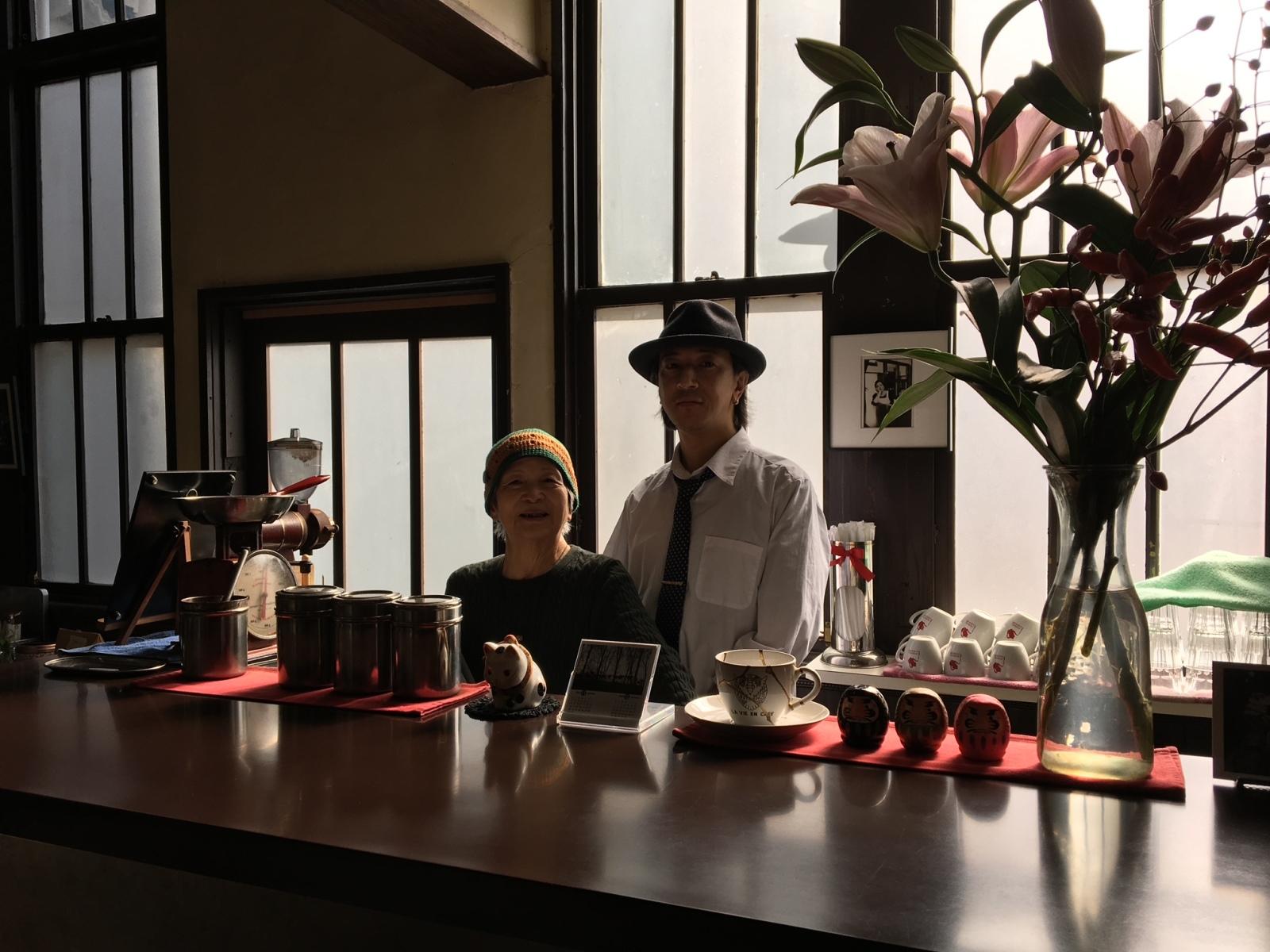 ラヴィアンカフェ店主とお母さん