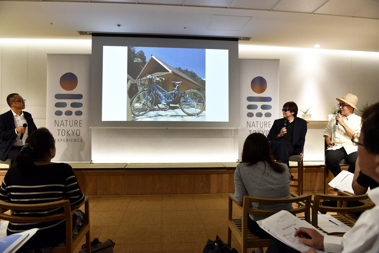 メインの講演者として登壇した『流石創造集団株式会社』CEOの黒﨑輝男さん(右から2人目)と、檜原村の観光情報発信担当として活躍している清田直博さん