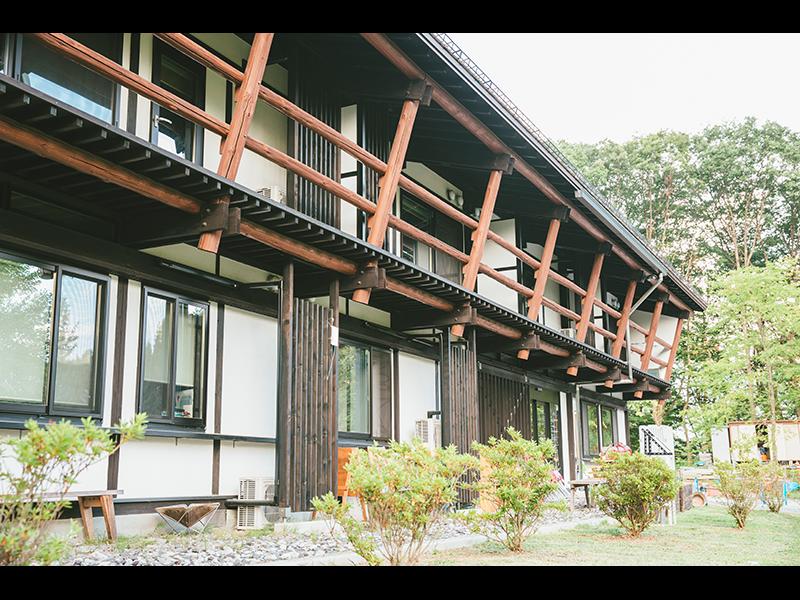 長野県・富士見町にある『テレワーク&コワーキングスペース富士見 森のオフィス』。