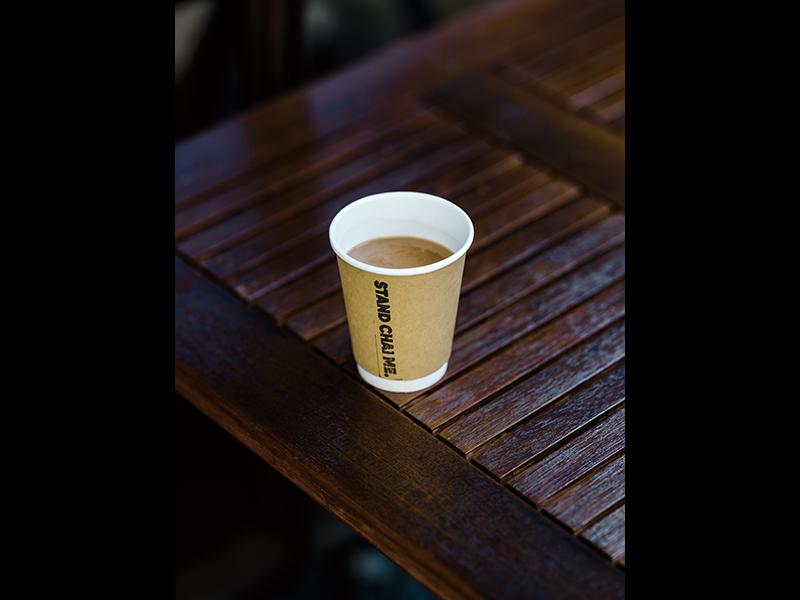 チャイ1杯500円。お店の「Instagram」アカウント(@standchime)をフォローしている人にだけ、開催情報などが届くという告知スタイル。平均5〜60人の集客がある。