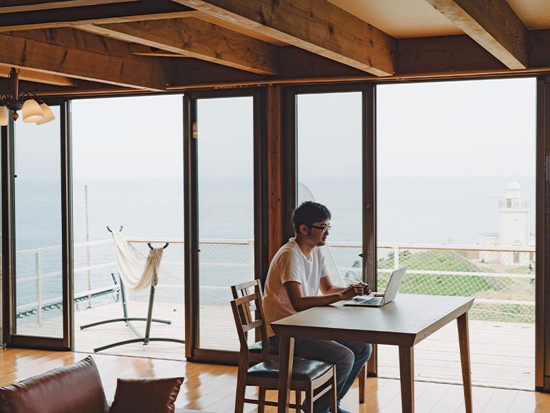 今夏、オープンする宿泊施設『MINAWA』。「大島の長い歴史の一瞬に触れてほしくてMINAWA(水沫)と名付けました」と谷口さん。