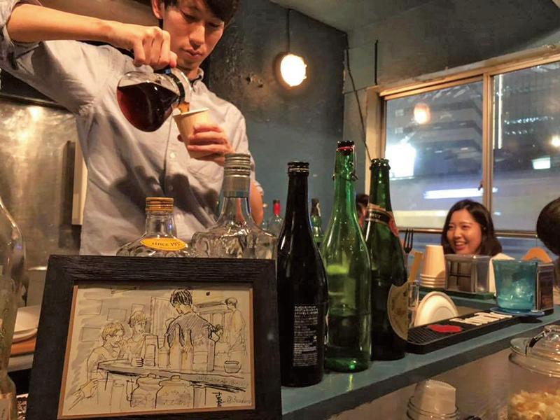 「コーヒーを出すのも僕の自己表現」と言う大竹さん。お酒を飲んだ「シメ」として注文されることが多いとか。