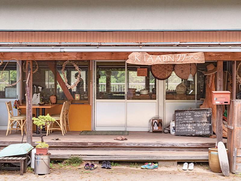 「食から八女市・笠原地区を知ってもらうならココ」と森さんに連れられてきた、レストラン『KTAADN』。