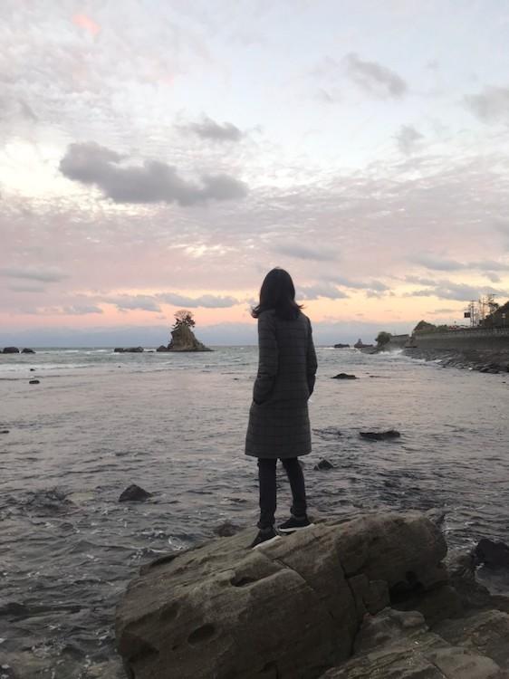 晴れていれば、海の向こうに立山が見えるハズの景勝スポット、雨晴海岸