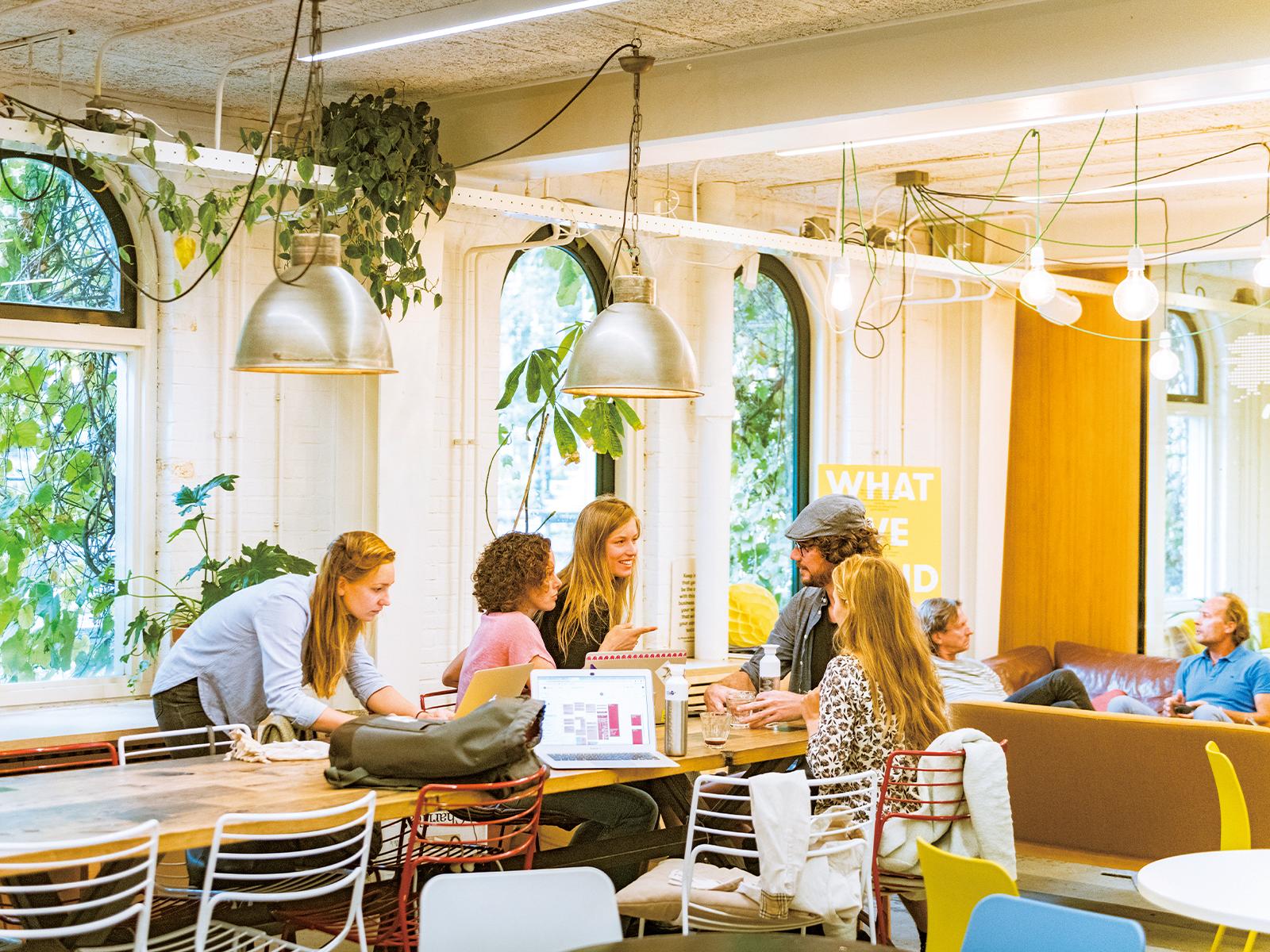 アイデアを交わし合える共有スペースは、『Impact Hub Amsterdam』のメンバー以外にも開放されている。