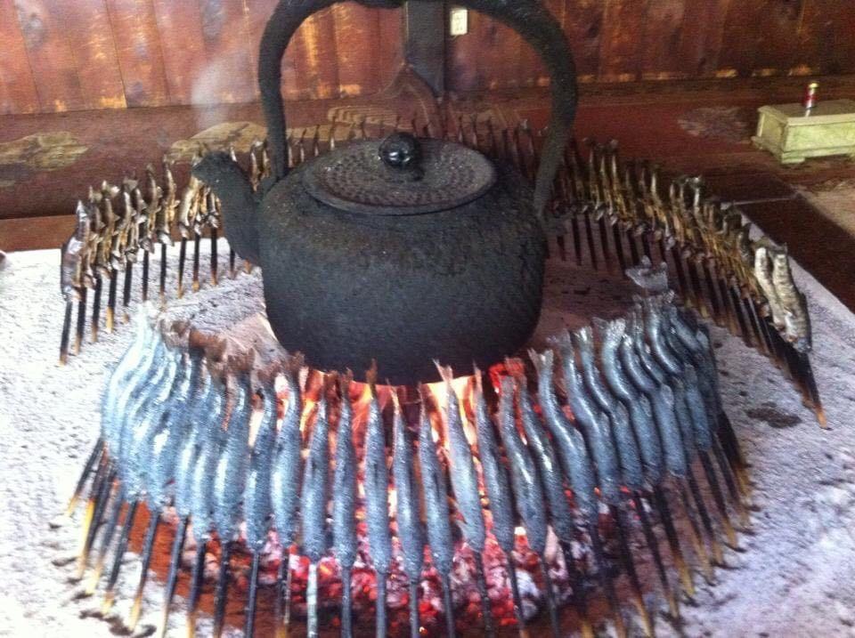 上高地での囲炉裏焼き(写真提供:鈴木寛顕さん)
