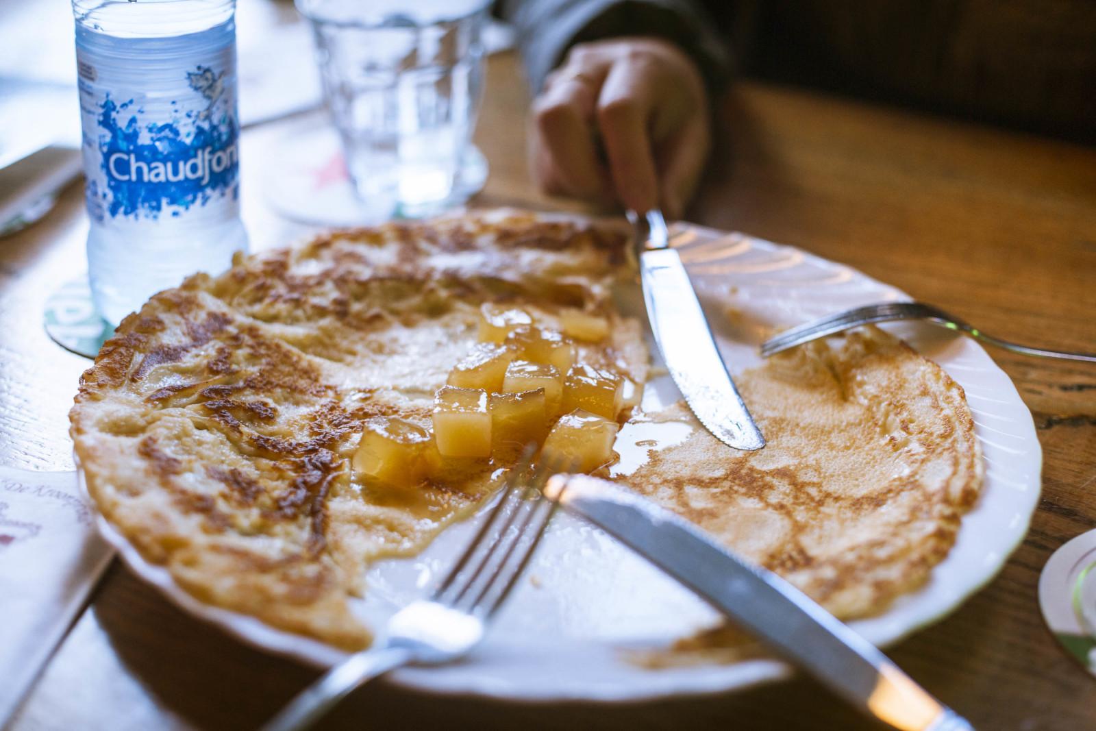 オランダのカフェの定番メニューの一つパンケーキ。シンプルさ、もオランダのよさだ。