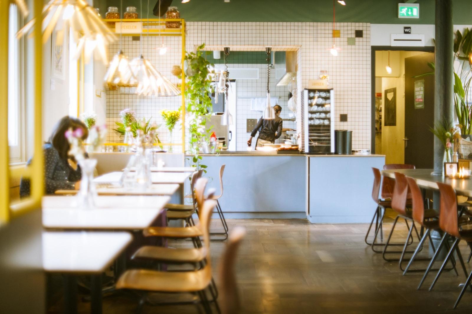 フードロスを減らすレストラン『Instock』の店内。社会課題が、オランダではなによりも優先される!?