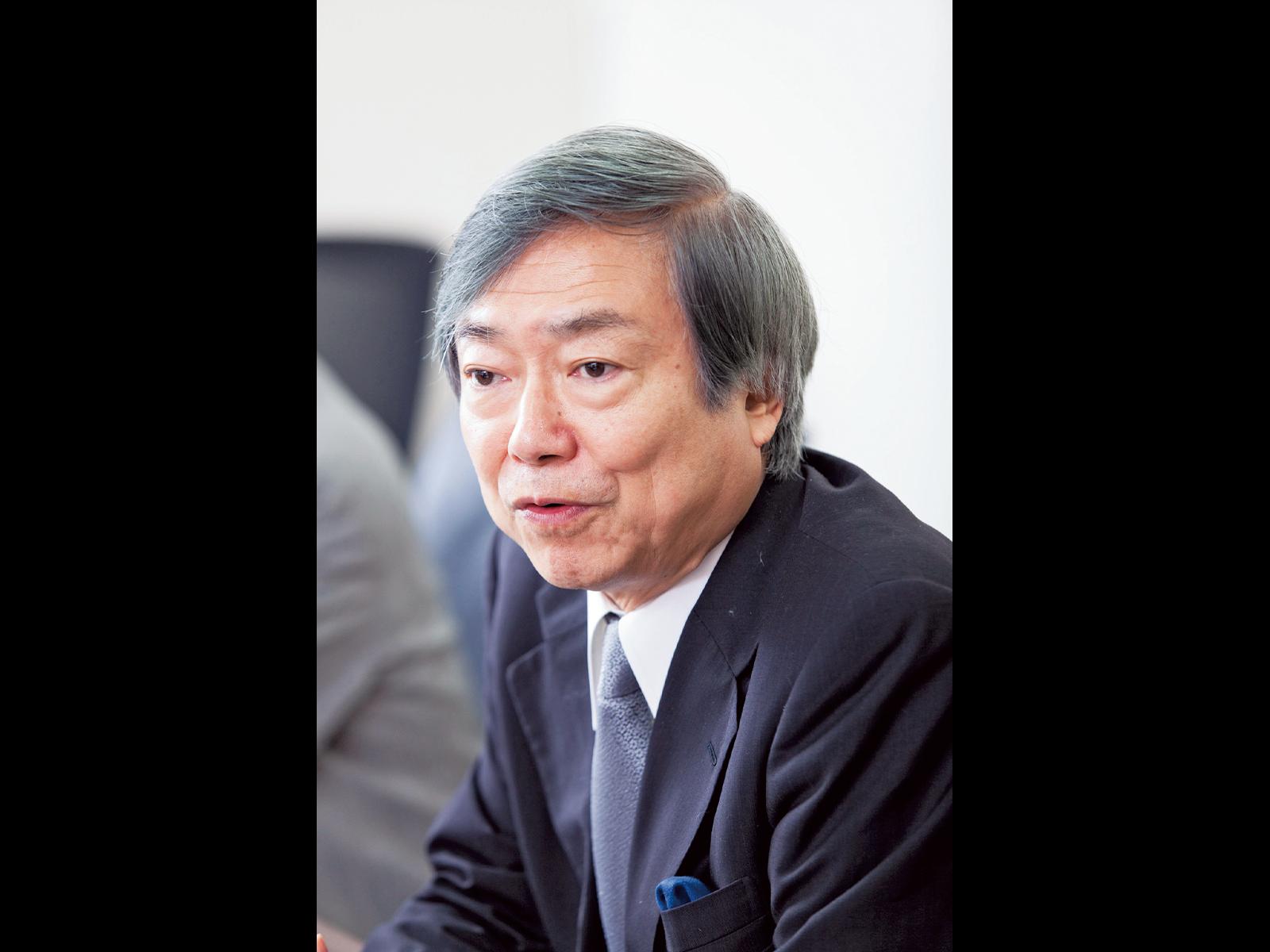 本プログラムの背景を語る長田久雄副学長。