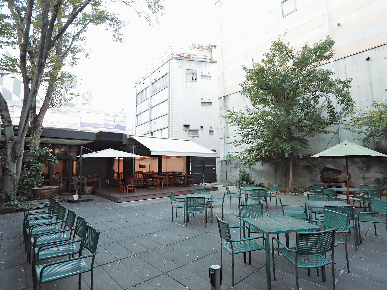 中庭のある『紅蘭亭』。矢橋さんが尊敬する建築家・葉祥栄さん設計。