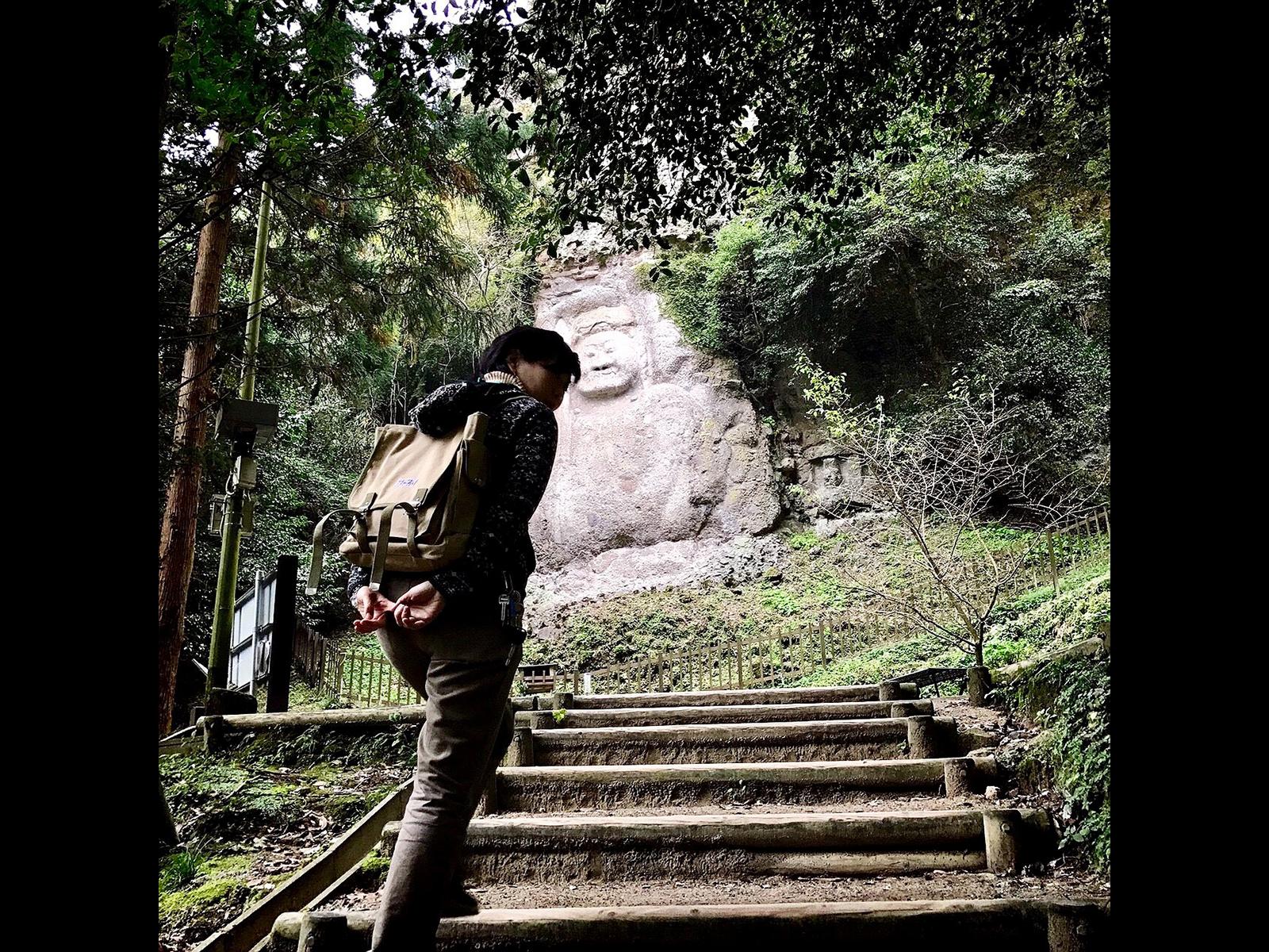 国東半島の山中には無数の石仏、石塔、遺跡が眠る。足で訪ね歩くことも多い。