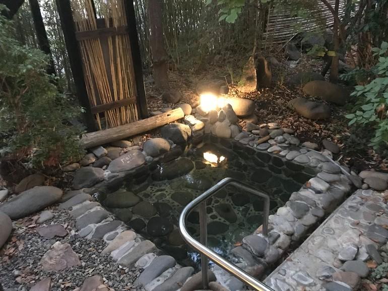 100%源泉掛け流しの露天風呂
