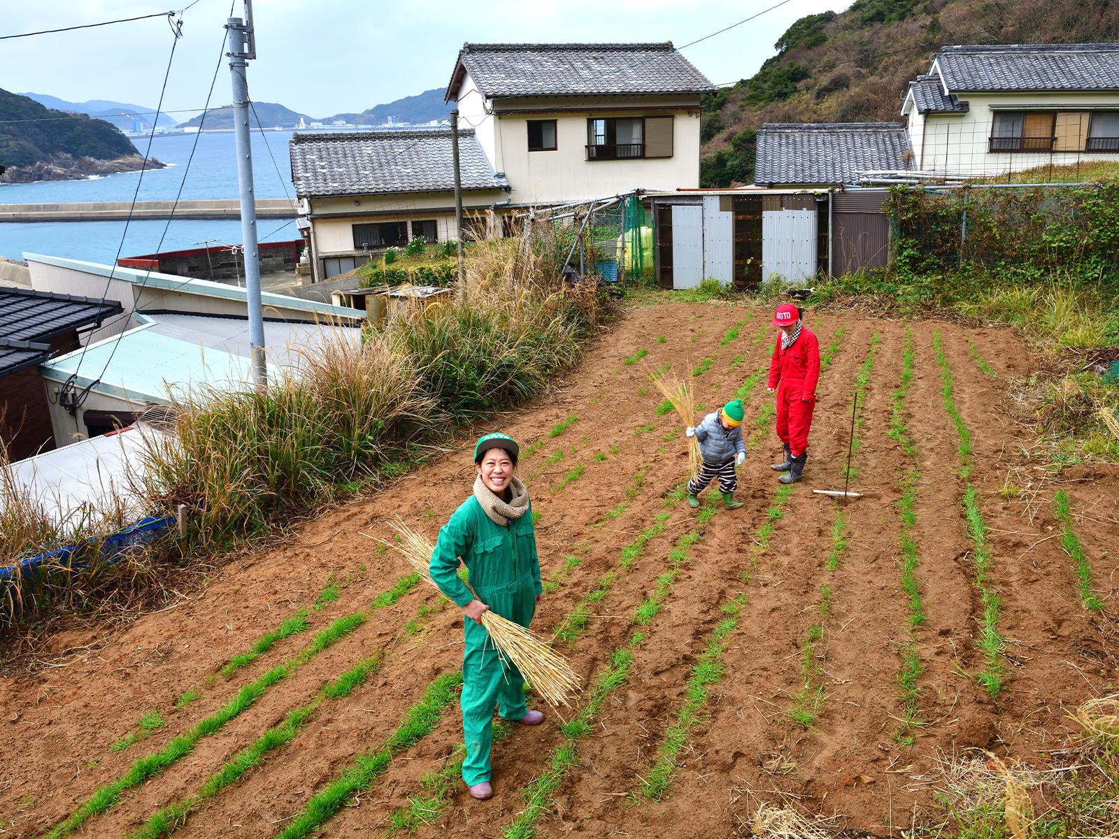 たけうち・さなえ●1984年生まれ。奈良県出身。2007年、中日新聞社の記者になり、15年に退社。同年、長崎県・新上五島町に夫と共に移住し、地域おこし協力隊として勤務する。まもなく3年の任期が終了。花野果農産加工グループを受け継ぎ、2代目となる。